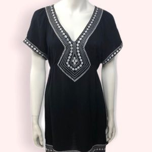 NWOT Forever 21 Black Embroidered Tunic, Size S